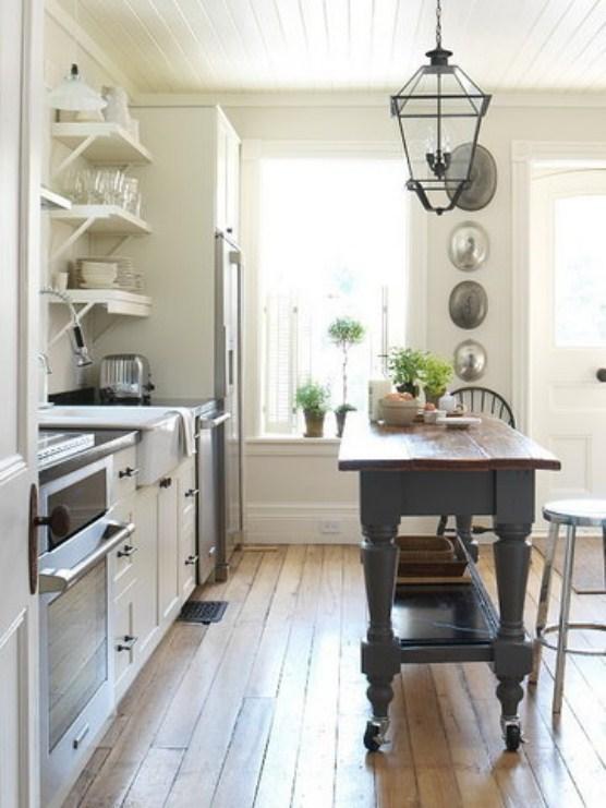 Overall Kitchen Fron Stool 0002